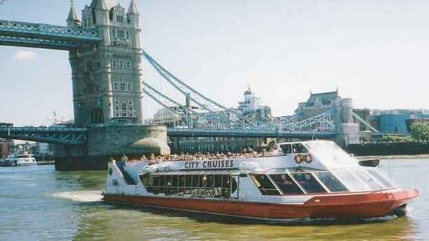 bådtur i london