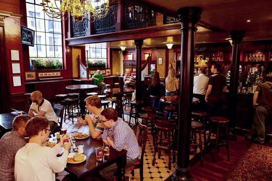 pub i london victoria