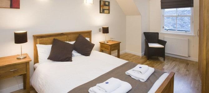 Hotel & Ferielejlighed i Edinburgh – Guide til overnatning