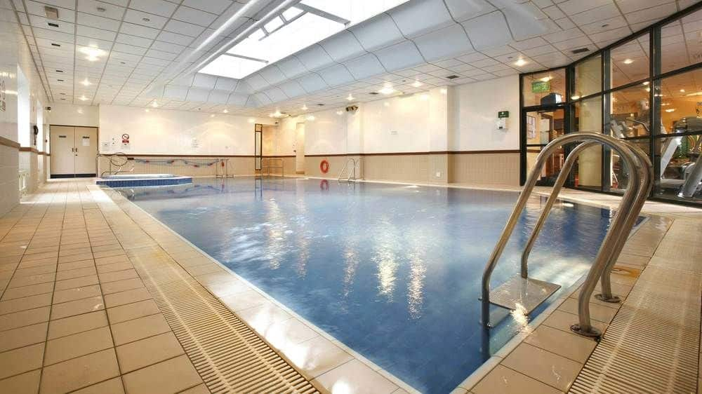 hotel med pool i glasgow